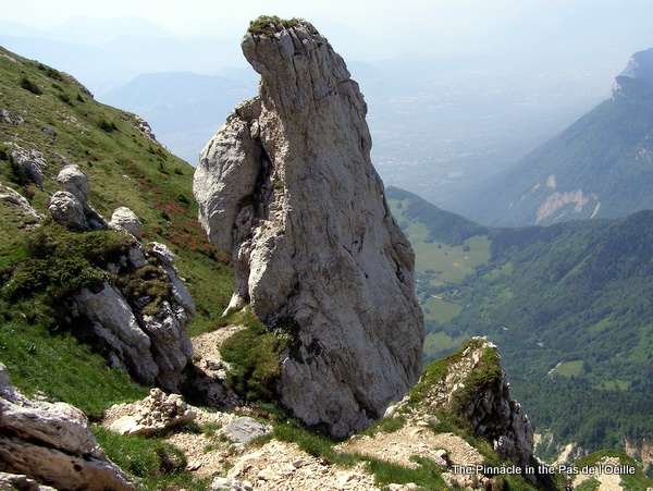 Photograph of the pinnacle at the Head of the Pas de l'Œille