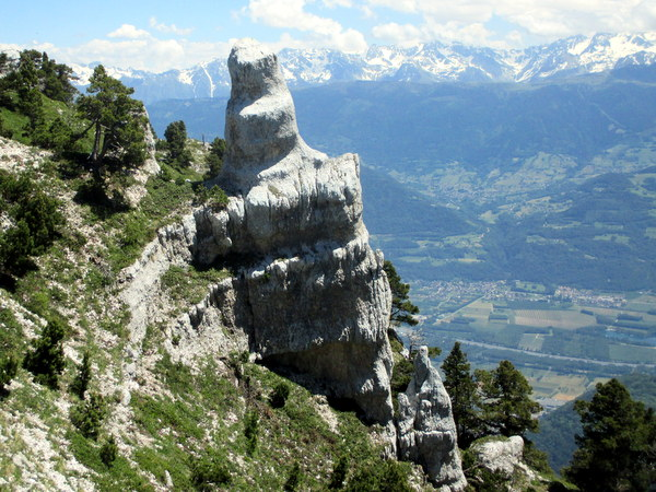 Photograph of the pinnacle at the top of Pas de Rocheplane, Dent de Crolles
